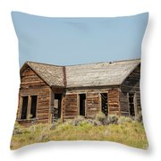 Muddy Creek House Throw Pillow