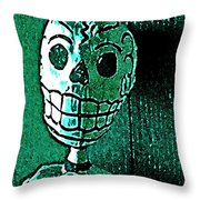 Muertos 4 Throw Pillow