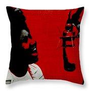 Music Icons - Aretha Franklin Ill Throw Pillow