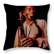 Music Icons - Wayne Shorter I Throw Pillow
