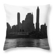 New York Silhouette At Dusk Throw Pillow