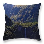 New Zealand Stirling Falls In Hanging Valley Throw Pillow