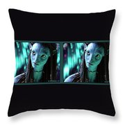 Neytiri - Gently Cross Your Eyes And Focus On The Middle Image Throw Pillow