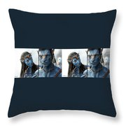 Neytiri And Jake - Gently Cross Your Eyes And Focus On The Middle Image Throw Pillow