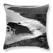 Niagara Falls, C1922 Throw Pillow