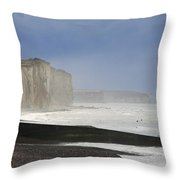 Normandia Falesie Throw Pillow