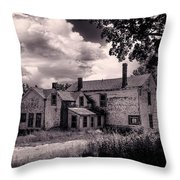 Old Farmhouse In Maine Throw Pillow