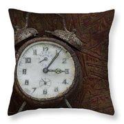 Old Rustick Clock Throw Pillow