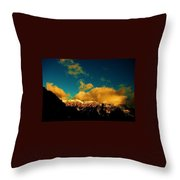 Ouro Throw Pillow
