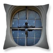 Oval Window Of Wittenberg Throw Pillow