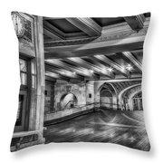 Oyster Bar Restaurant Gct Nyc Bw Throw Pillow