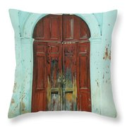 Peonza Perdida Throw Pillow