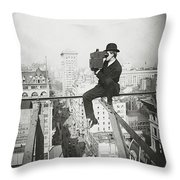 Photographing Nyc Above 5th Avenue - 1905 Throw Pillow