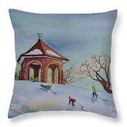 Plaisirs D'hiver Au Parc Macdonald Gardens Throw Pillow