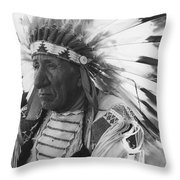 Portrait Of Chief Red Cloud Throw Pillow