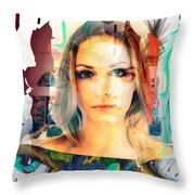 Portret Throw Pillow