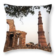 Qtub Minar, New Delhi India Throw Pillow