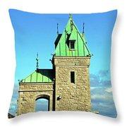 Quebec City 74 Throw Pillow
