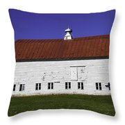 Red Roof Barn Vermont Throw Pillow