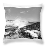 Retrato Em Branco E Preto Throw Pillow