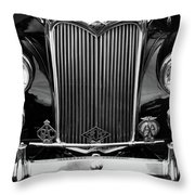 Riley Saloon Car - Vintage Throw Pillow