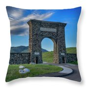 Roosevelt Arch At Yellowstone Dsc2522_05252018 Throw Pillow