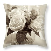 Rose Bouquet In Vinatage Throw Pillow
