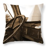 Route 66 - Parking At The Wigwam Throw Pillow