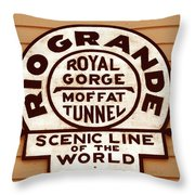 Scenic Line Of The World Throw Pillow