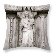 Sculpture Above North Entrance Of Westminster Abbey London Bw Throw Pillow