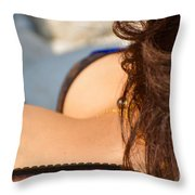 Ser Mujer Throw Pillow