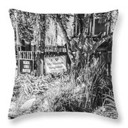 Signs On A  Minneapolis Yard Throw Pillow