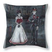 Skeleton Bride And Groom Aka Amor Sencillo Throw Pillow