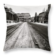 Snow At The Colosseum - Rome Throw Pillow