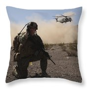 Solders Are Inserted By A Ch-53 Super Throw Pillow