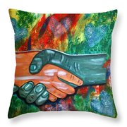 Solidariedade Throw Pillow
