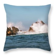 Spectacular Waves Smashing On The Rocks At Milford Sound Fjord O Throw Pillow