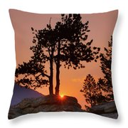 Stop Right Here - Rocky Mountain Np - Sunrise Throw Pillow