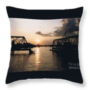 Sunset In Superior Wi Throw Pillow