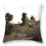 The Dutchmangarden Of The Gods, Colorado Throw Pillow