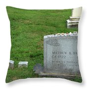 The Grave Of Mathew Brady -- Renowned Photographer Of The American Civil War Throw Pillow