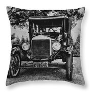 Tin Lizzy - Ford Model T Throw Pillow