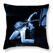 Tn#8b Throw Pillow