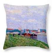 Trois P Niches Amarr Es Aux Abords D Une Ville Industrielle 1886 Throw Pillow