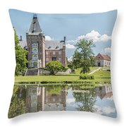 Trollenas Slott Throw Pillow