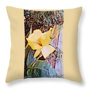 Tropical Lilly Throw Pillow