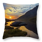 Tryfan Surnise Throw Pillow