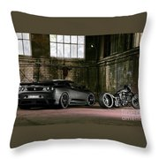 Tu Nero II  Throw Pillow