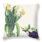 Tulip Art Throw Pillow