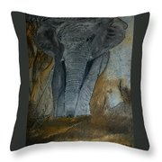 Un Elephant Ca Trompe Enormement Throw Pillow